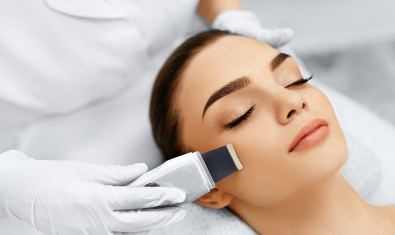 Чистка лица, Infini Lutronic, PRP терапия лица и волос, биоревитализация и ботулинотерапия, пилинг, уходовые процедуры, перманентный макияж, наращивание ресниц, оформление бровей с лучшими мастерами The Science of Beauty.