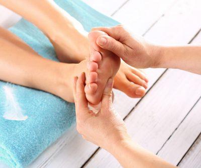 Массаж стоп, педикюр, SPA педикюр, наращивание ногтей, дизайн ногтей, гелевое покрытие ногтей, шеллак, IBX systems, парафин рук, парафин ног, с лучшими мастерами The Science of Beauty.